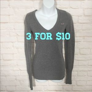 Hollister Gray V-neck sweater small